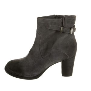 Alberto Fermani- Suede ankle boots